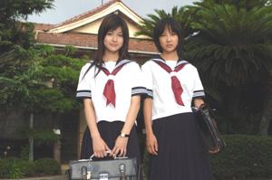 マキと美香セーラー.jpg