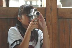 撮影する夏美250.jpg
